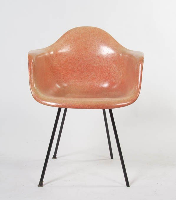 2340: A Herman Miller Fiberglass Chair, Height 30 3/4 i