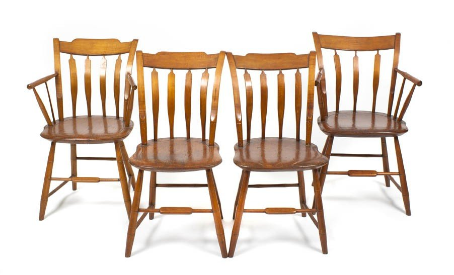 17: A Set of Four American Windsor Chairs, Height 33 1/