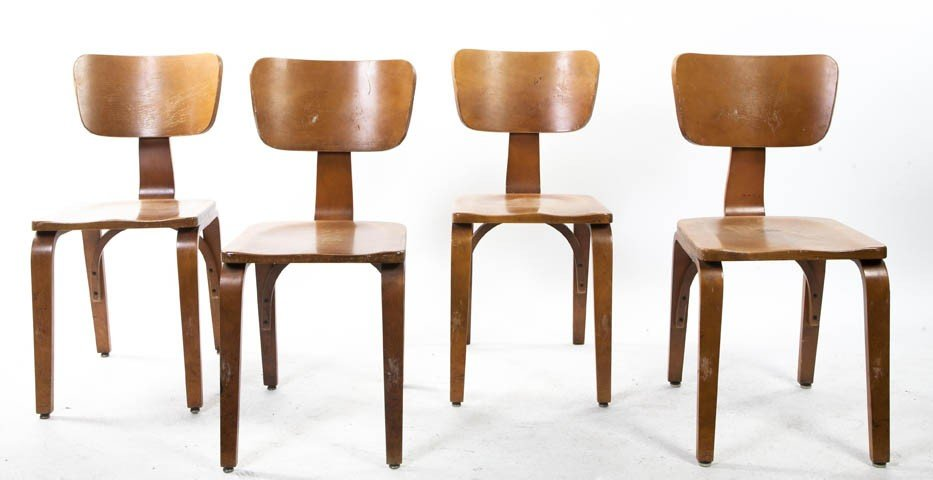 2010: A Set of Eight Bentwood Side Chairs, Thonet, Heig