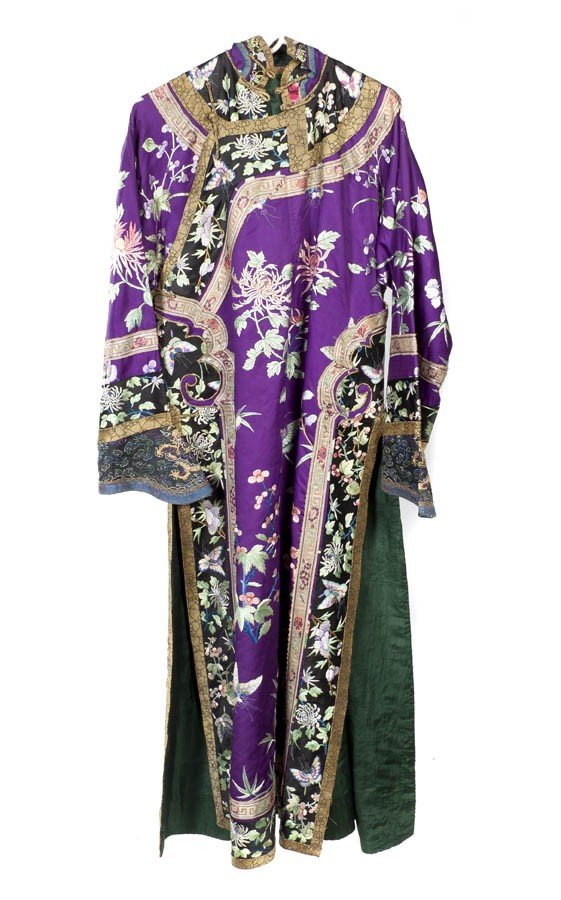 2434: A Chinese Silk Embroidered Woman's Jacket, Length