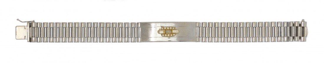 289: An 18 Karat Gold and Diamond Bracelet, Italian, 29