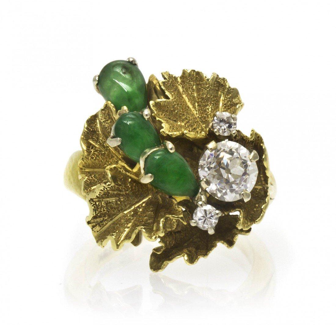 308: An 18 Karat Yellow Gold, Diamond and Jade Ring, 5.