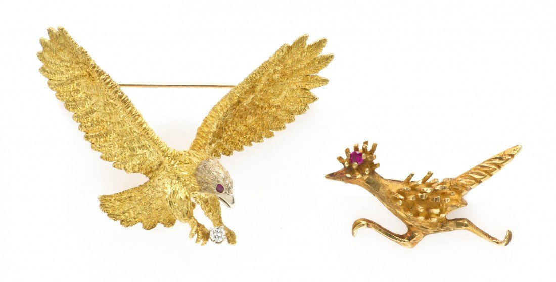 402: A Group of Yellow Gold Bird Pins, 11.65 dwts.