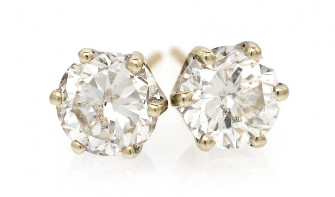 424: A Pair of Yellow Gold and Diamond Stud Earrings, 1