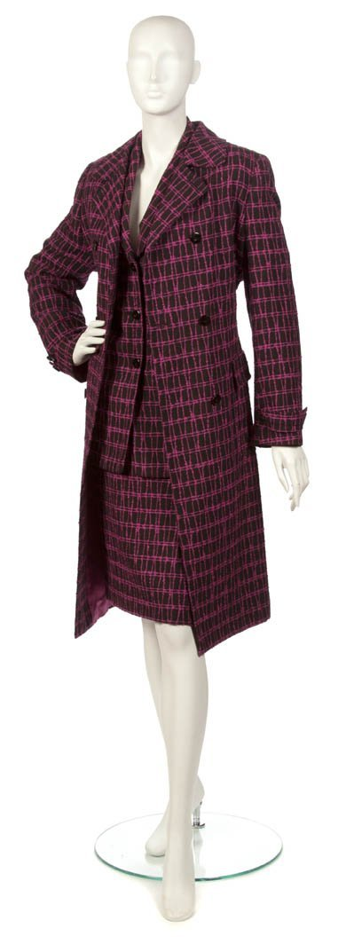 77: A Louis Feraud Pink and Black Wool Skirt Suit, Size