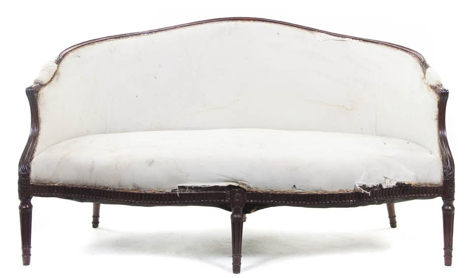 102: A Louis XVI Carved Settee, Height 34 1/4 x width 6