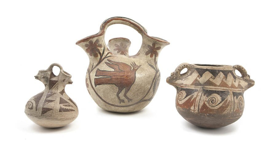 1140: A Group of Three Native American Earthenware Vess