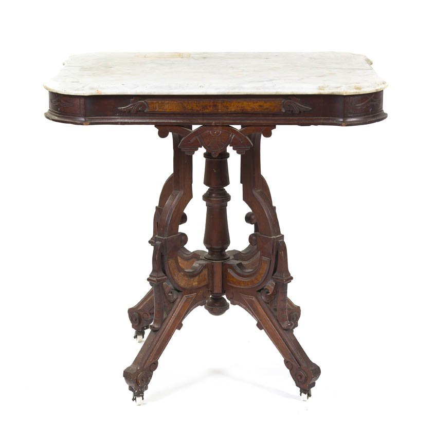 2136: A Victorian Walnut Occasional Table, Height 31 1/