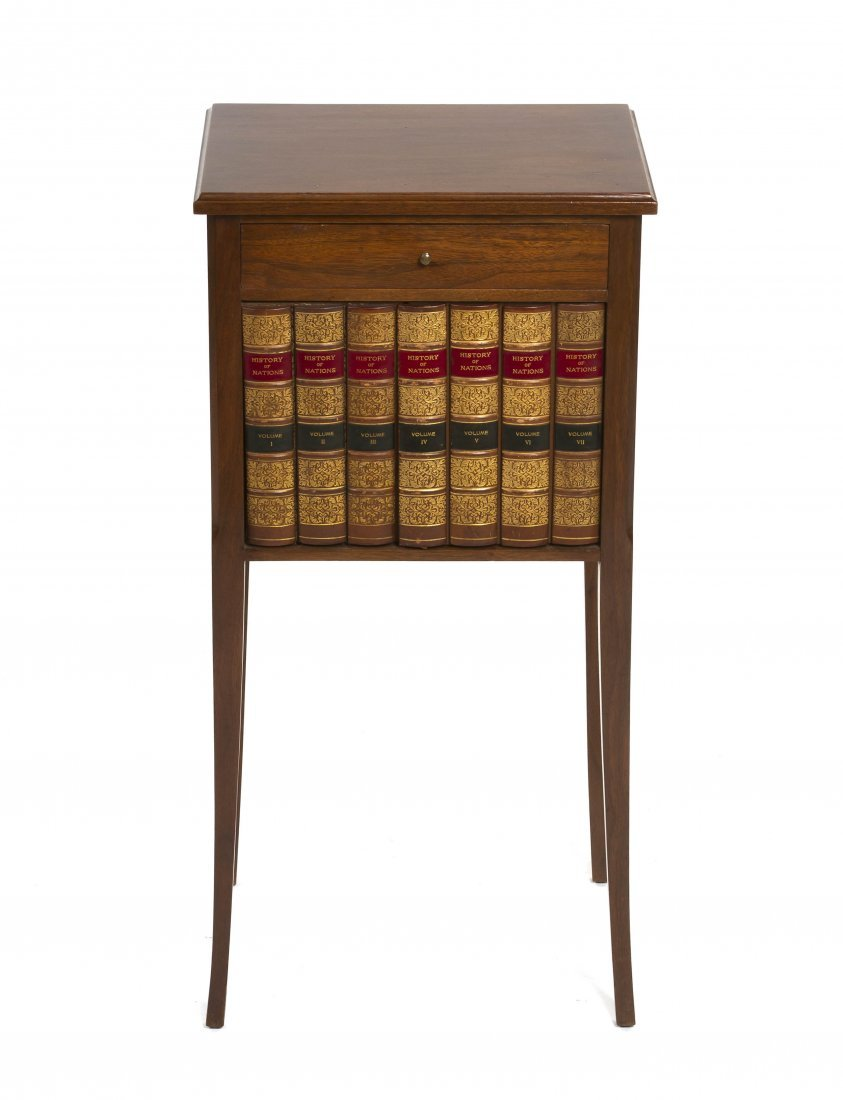 2006: A Georgian Style Side Cabinet, Height 29 5/8 x wi