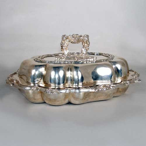 632: An English William IV Sterling Silver Covered Ture