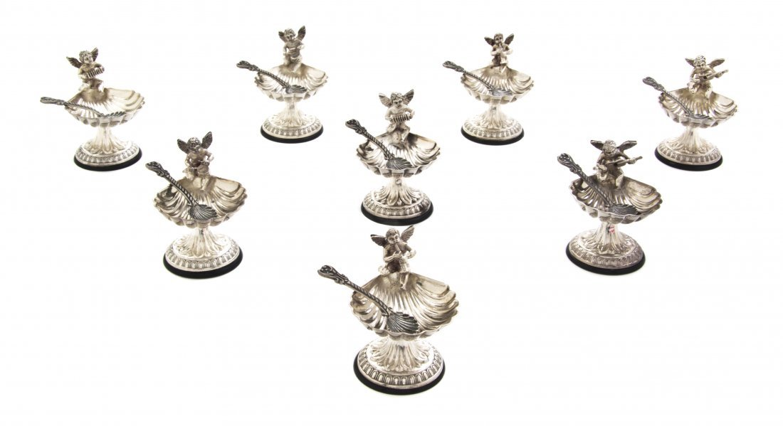 1072: A Set of Eight Sterling Silver Salts, Length of s