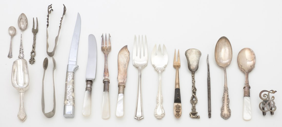 2672: A Collection of Sterling and Silverplate Flatware