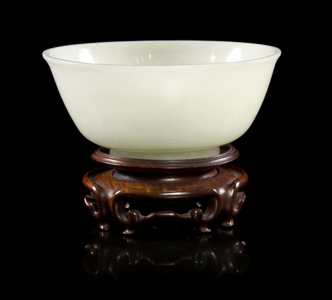 42: A White Jade Bowl, Diameter 5 15/16 inches.