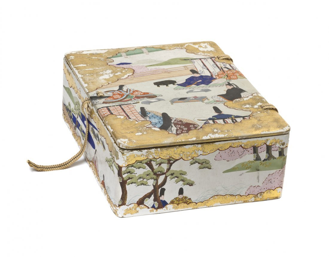 496: A Japanese Gilt and Polychrome Decorated Paper Box
