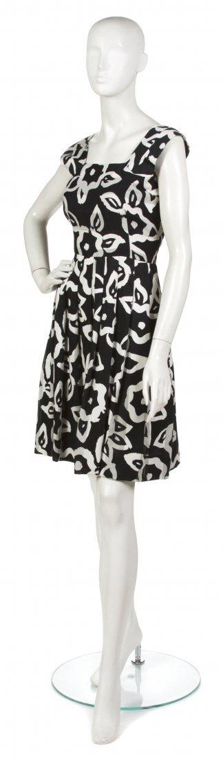 16: A Pauline Trigere Black and White Cotton Dress,