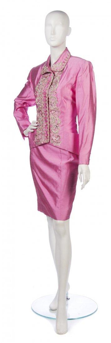 11: A Chloe Pink Silk Evening Skirt Suit, Size 10.