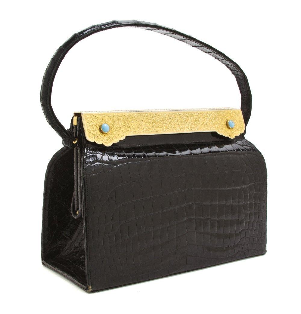 542: A Nettie Rosenstein Black Crocodile Evening Bag, 8