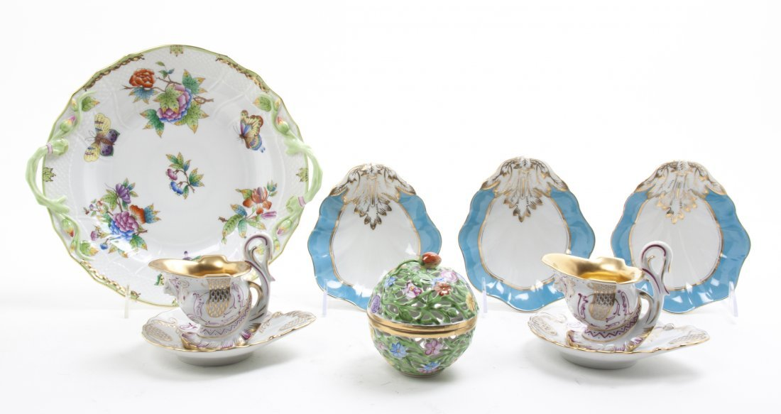 A Collection of Continental Porcelain Articles, Width o