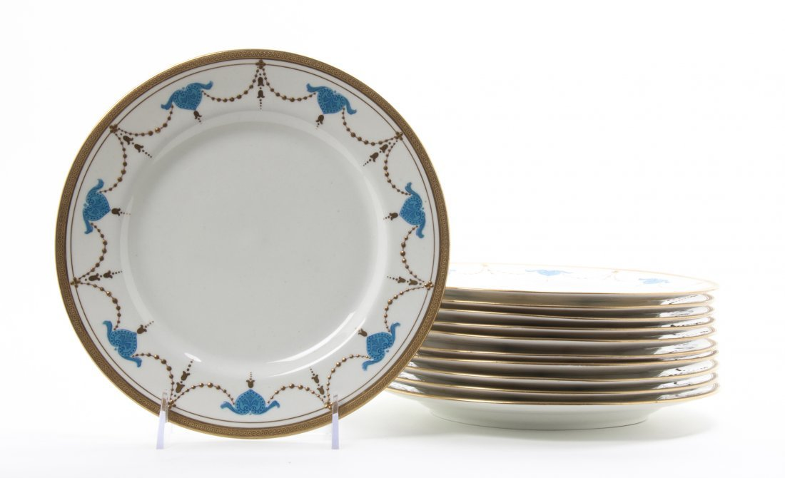 A Set of Eleven Royal Crown Chelsea Luncheon Plates, Di