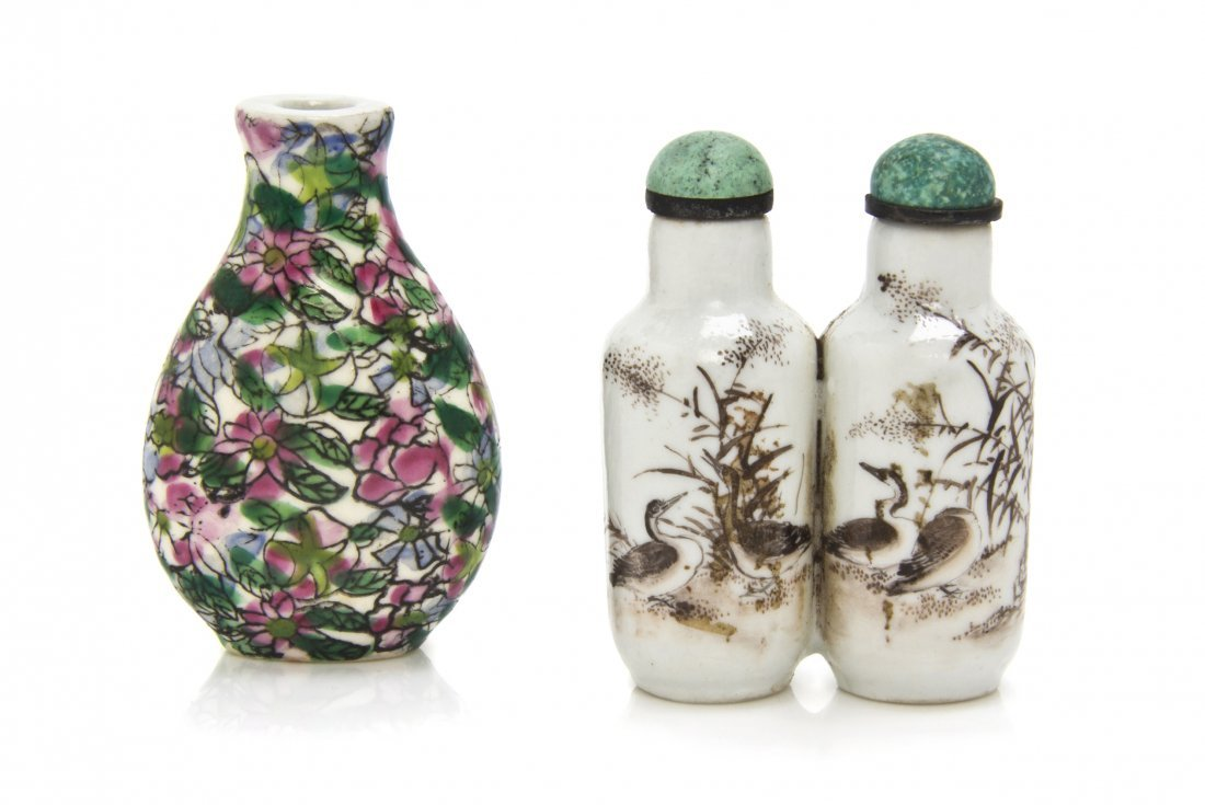 A Porcelain Double Bottle Snuff Bottle, Height of talle