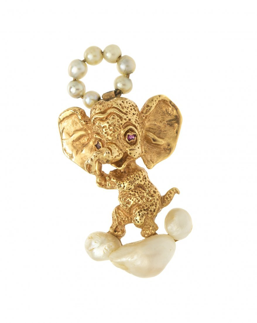 A 14 Karat Yellow Gold and Cultured Pearl Elephant Broo