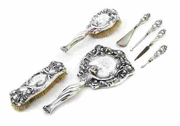 An American Art Nouveau Sterling Silver Vanity Set, Ung