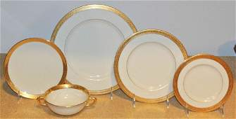 A Collection of Lenox Dinnerware Diameter of dinner pl