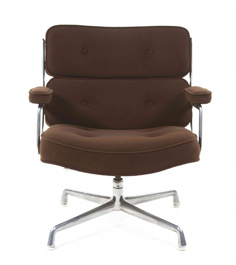 A Charles and Ray Eames Time-Life Chair, Height 31