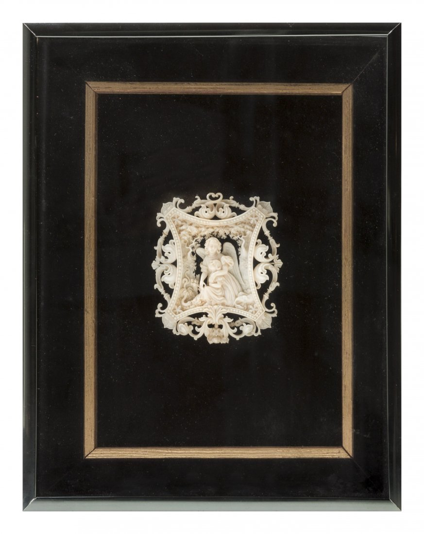 A Continental Ivory Carving, Height 3 x width 2 5/8