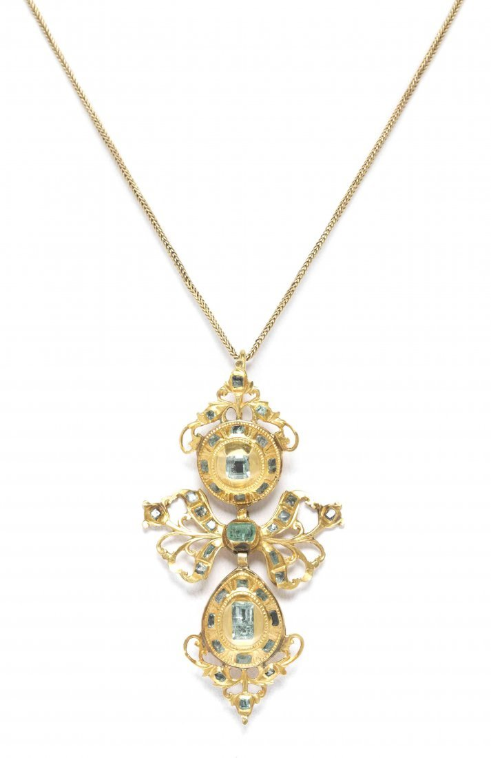 A Victorian Yellow Gold and Emerald Pendant, 5.30 dwts.