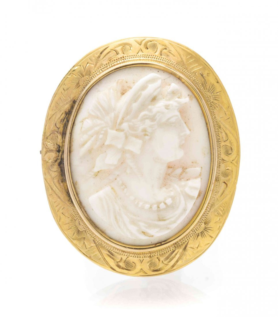 A Victorian 14 Karat Yellow Gold and Cameo Brooch,