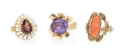 A Collection of Yellow Gold and Multi Gem Rings, 9.80