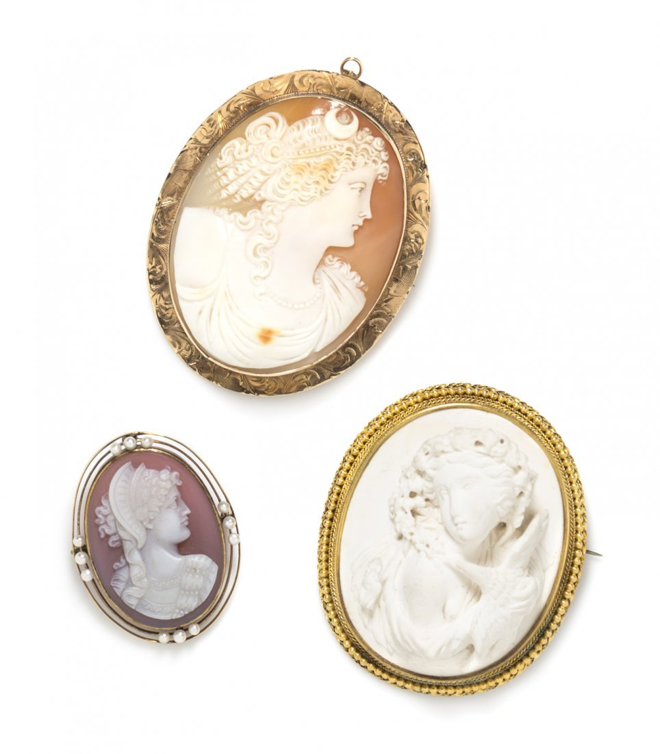 A Collection of Antique Cameo Brooches, 47.40 dwts.