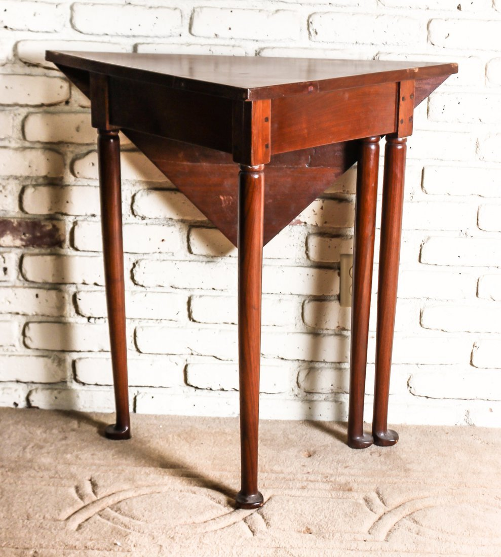 A Queen Anne Style Maple Drop-Leaf Table, Height 30 x