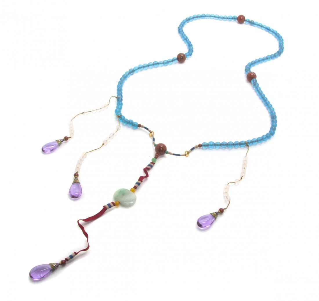 A Glass and Agate Court Necklace, Length pendent 40 1/2