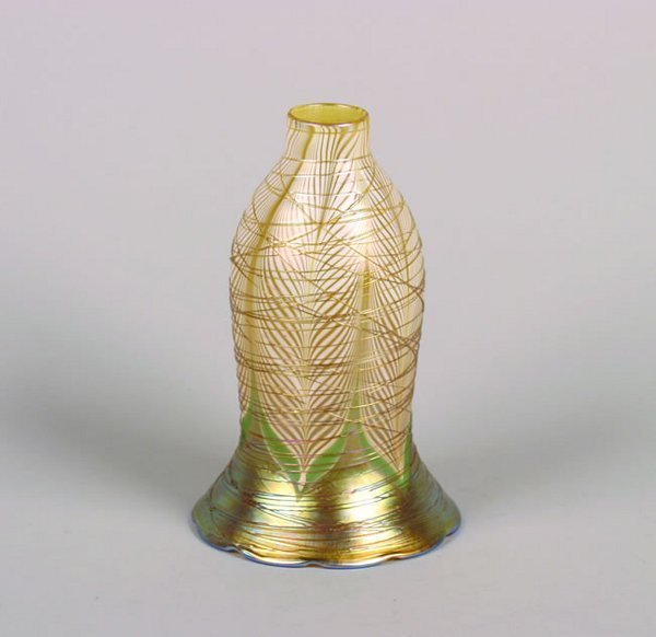 1156: A Durand Pulled Feather and Threaded Glass Lamp S