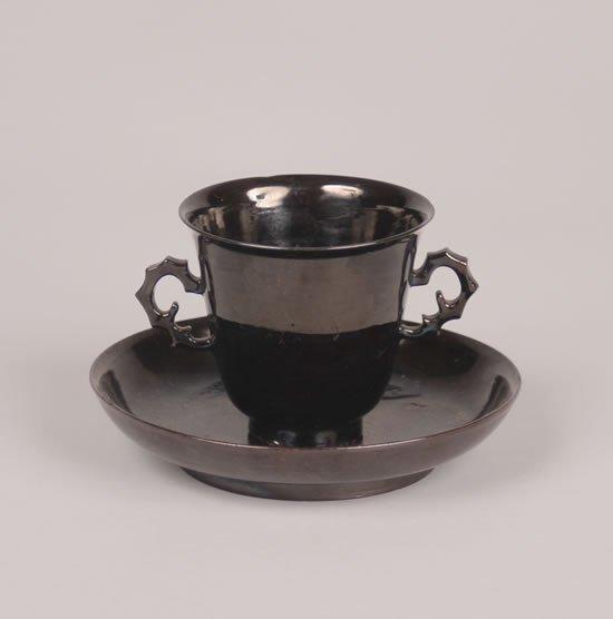 395: A Böttger Black-Lacquered Ground Red-Stoneware Tea