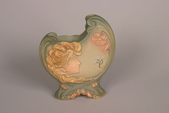 929: A Weller L'Art Nouveau Pillow Vase,