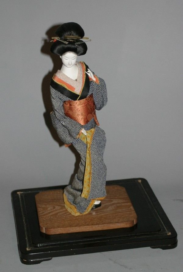 4014: A Japanese Geisha Doll,