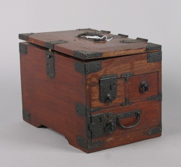 4019: A Japanese Wood Banker's Box. Length 12 inches.