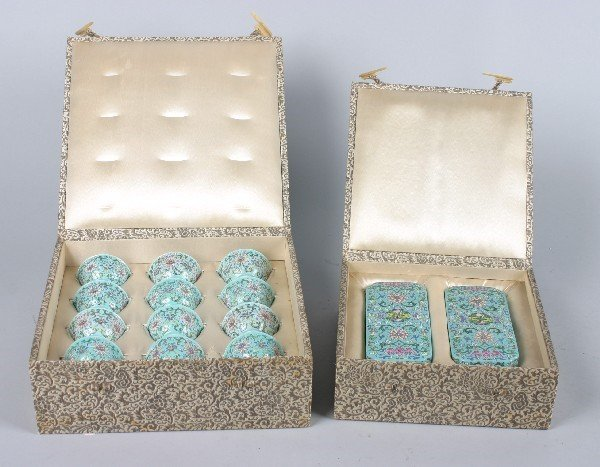 4122: A Pair of Chinese Famille Rose Shaped Boxes, Heig