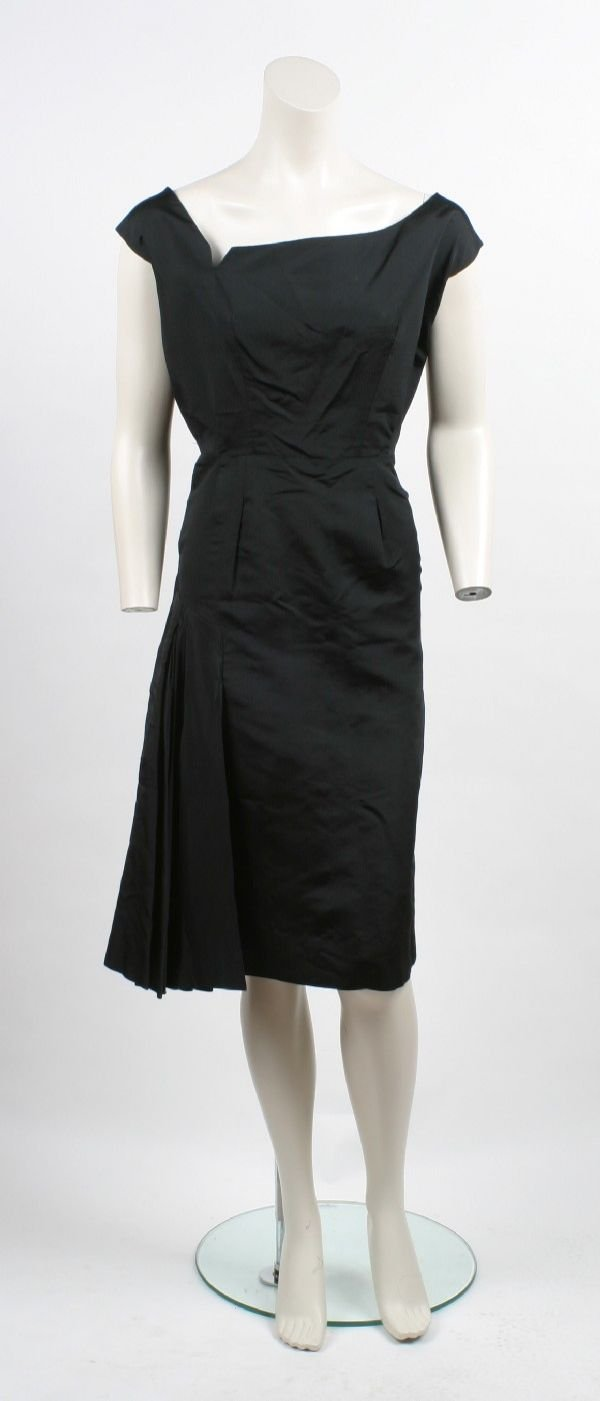 23: Pauline Trigere Taffeta Dress