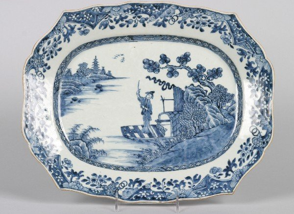 525: A Chinese Export Blue and White Porcelain Platter,
