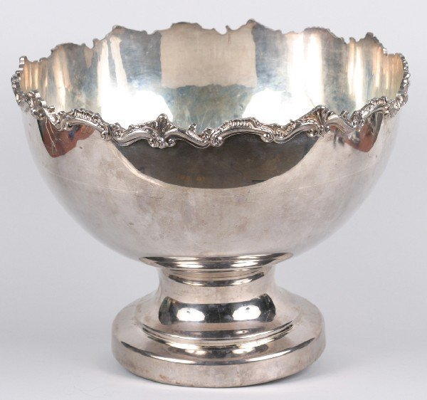 11: A Silver Plate Punch Set, Diameter of bowl 16 1/4 i