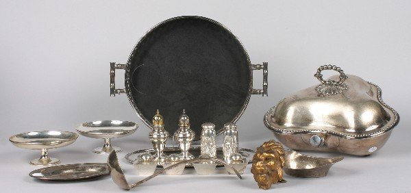 17: A Collection of Silver and Silver Plate Table Artic
