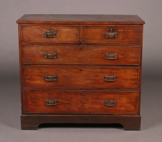 505: An English Mahogany Chest of Drawers,