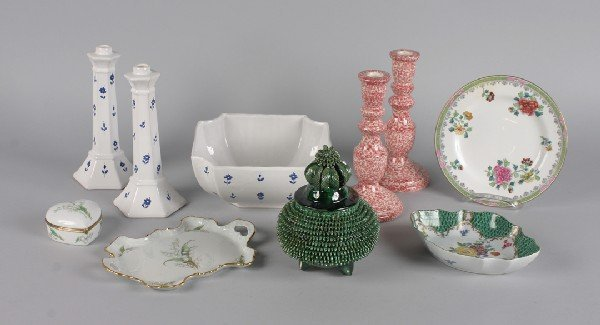418: A Group of Ceramic and Porcelain Table Articles, H