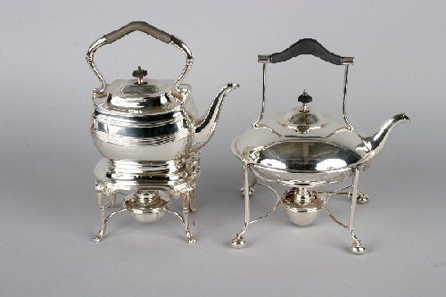 1009: A Group of Two English Georgian Style Silverplate