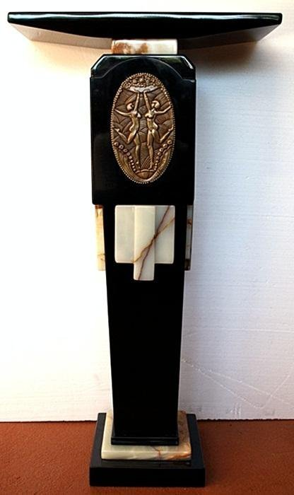 ART DECO BLACK PEDESTAL - CHIPARUS