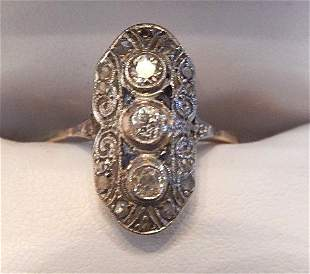 ART DECO DIAMOND AND SAPPHIRE LADIES RING